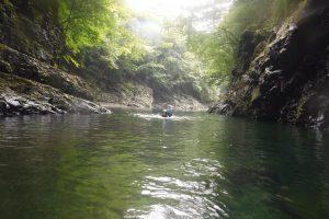 泳いで、泳いで、そして泳いで(小口川・静閑瀞)