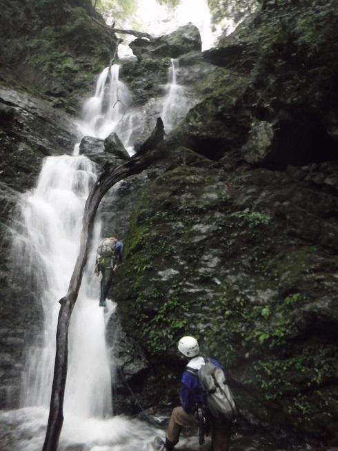 体験山行は雨中でも・・・中奥川・向流谷